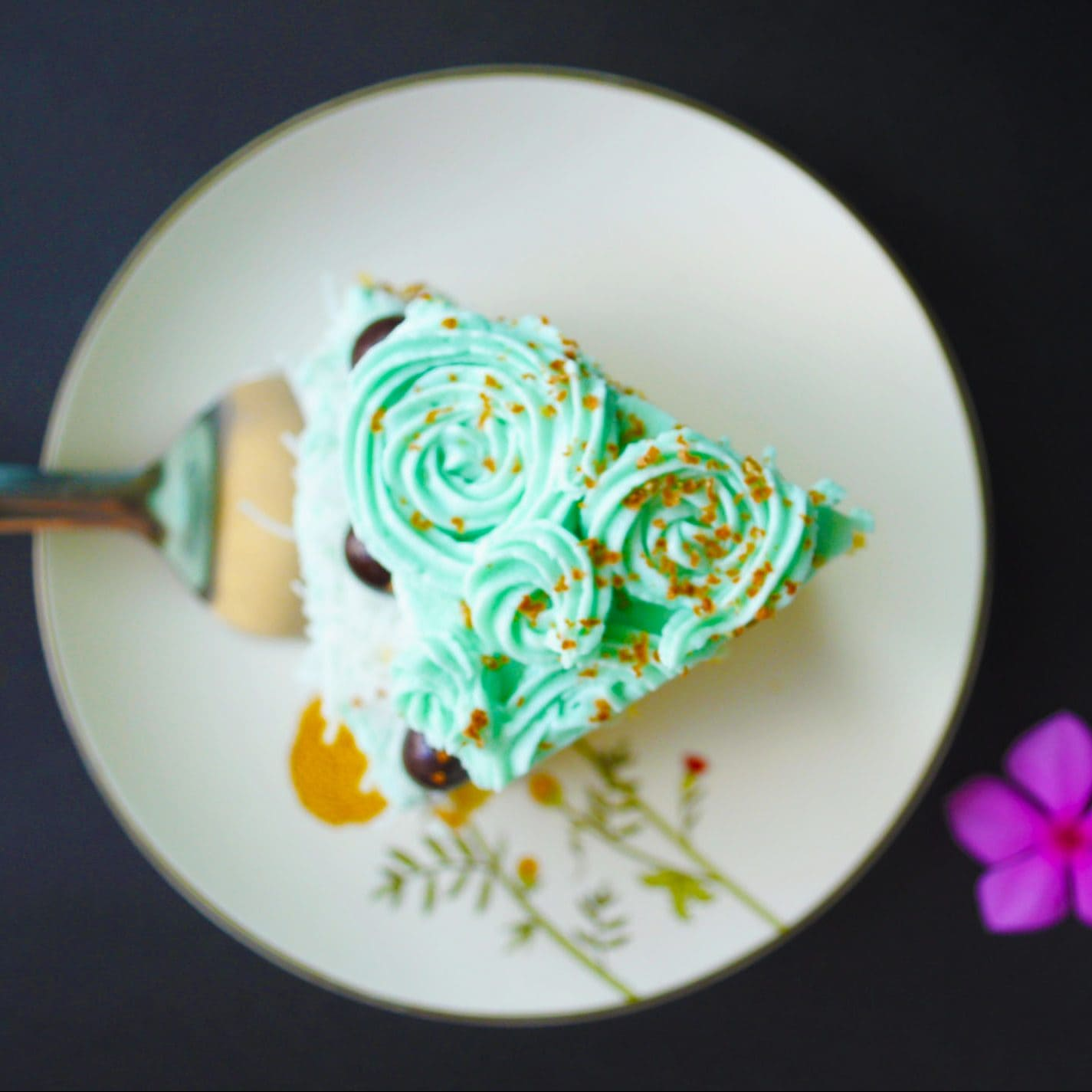 Classic Vanilla Cake with Buttercream Frosting