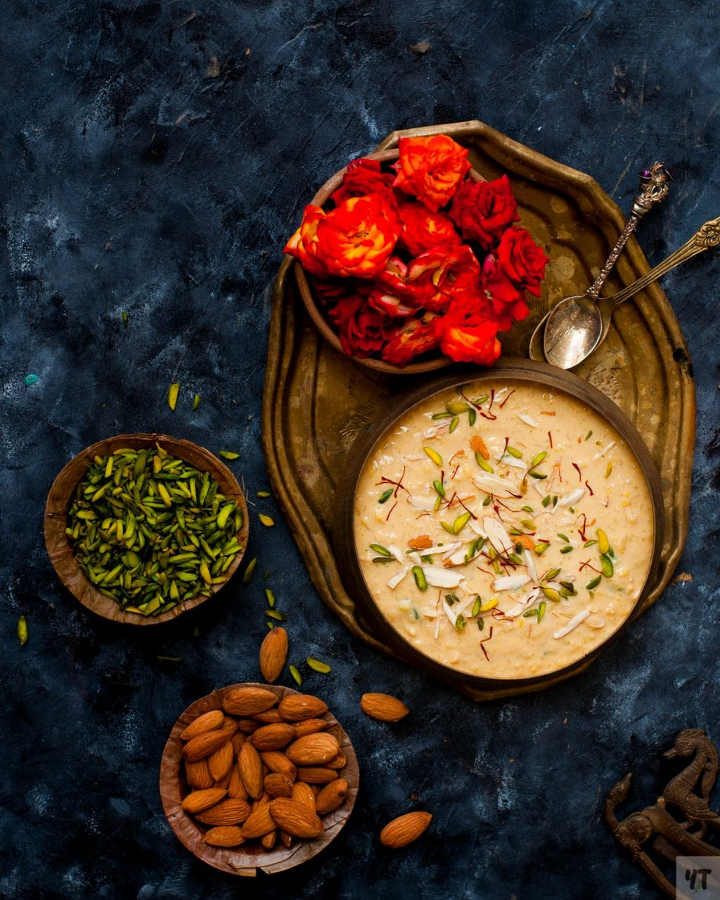 Instant Pot Kheer - Traditional Indian Rice Pudding made in less than 30 minutes.Super Quick and hands off method of making the Best Indian Kheer ever! #instantpot #kheer #instantpotricepudding #ricerecipe #pressurecooker #easykheer